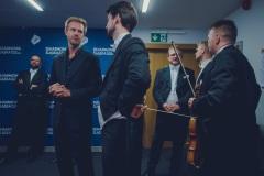 Yaroslav Shemet, Andrew von Oeyen i muzycy Orkiestry za kulisami