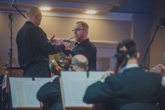 Orkiestra, dyrygent i solista na scenie