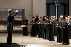 Chór Filharmonii Śląskiej dyrygowany przez Jarosława Wolanina