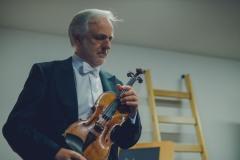 Solista koncertu Rainer Honeck za kulisam