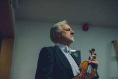Solista koncertu Rainer Honeck za kulisami.
