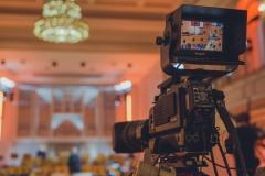 Kamera skierowana na scenę