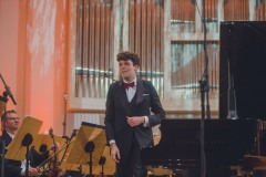 Solista koncertu Szymon Nehring.