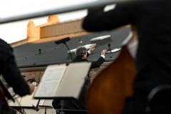 Orkiestra widoczna od tyłu