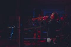 Sasofonista na scenie