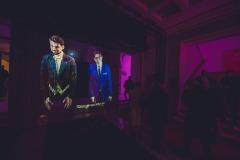 Hologram dyrygenta Yaroslava Shemeta i dyrektora Adama Wesołowskiego