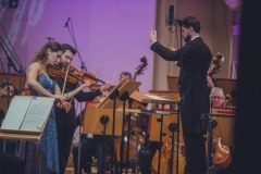 Soliści: Anna Podulka (skrzypce) i Rafał Woźniak (altówka), dyrygent Yaroslav Shemet