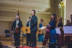 Śląska Orkiestra Kameralna i Robert Kabara na scenie