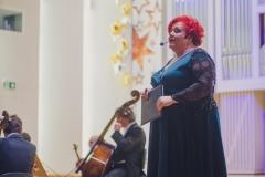 Zapowiadająca koncert Regina Gowarzewska