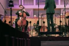 Solista Konrad Bargieł na scenie