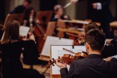 Orkiestra widoczna z perspektywy sceny