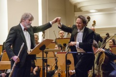 Raffaele Trevisani, Massimiliano Caldi,  muzycy Orkiestry Symfonicznej Filharmonii Śląskiej podczas oklasków