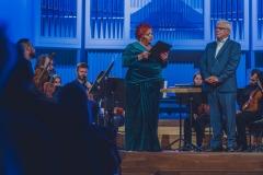 Prof. Eugeniusz Knapik, Śląska Orkiestra Kameralna, Regina Gowarzewska, prowadząca koncert