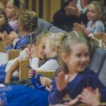Dzieci podczas koncertu